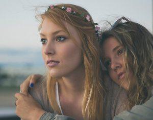 13 טיפים לתקשורת מקרבת עם המתבגר שלך