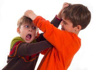 5 טיפים להתמודדות הורים עם מריבות אחים