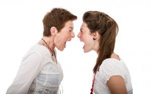 10 טיפים להתמודדות הורים למתבגרים עם קונפליקטים