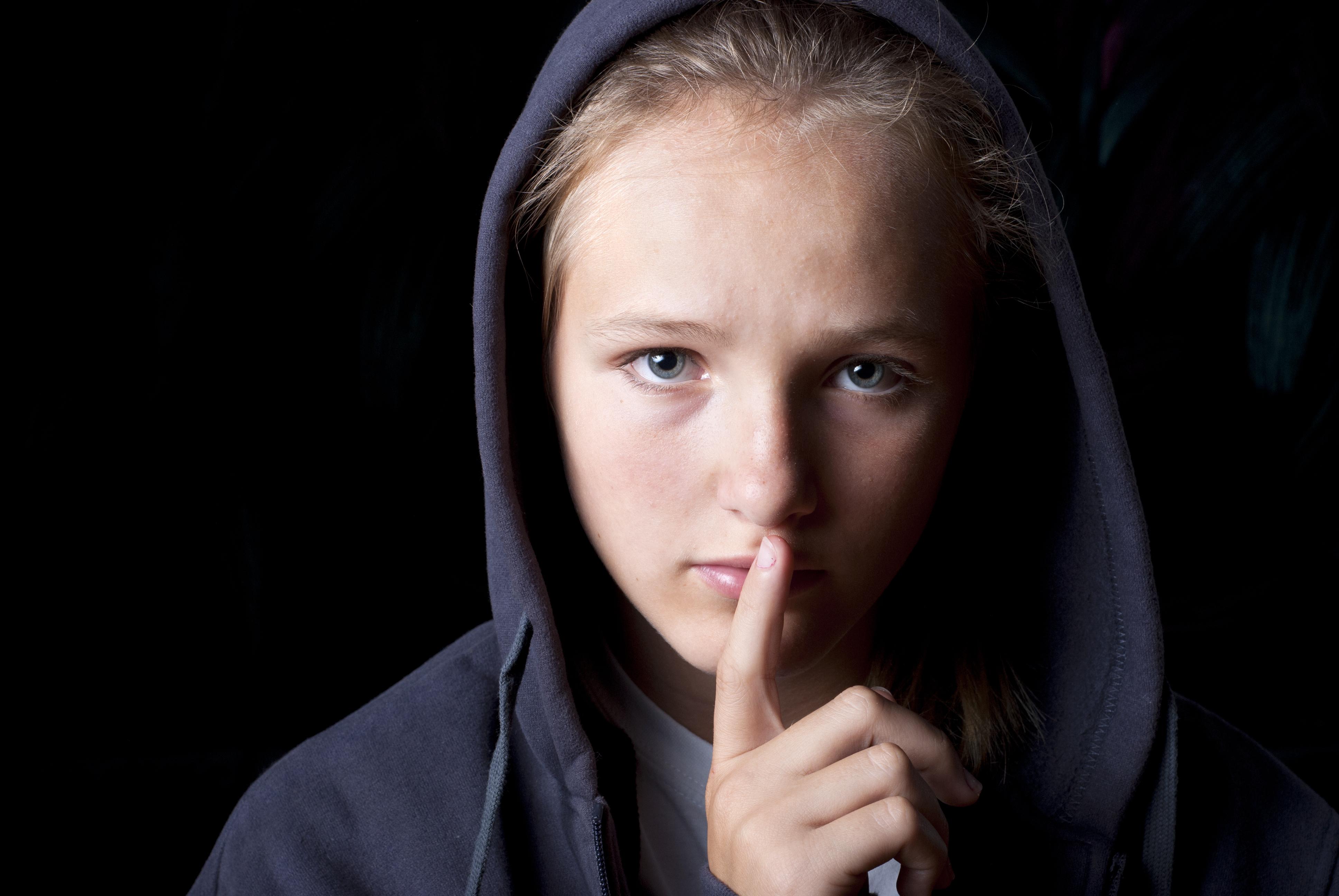 סודות ושקרים בעולם המתבגרים